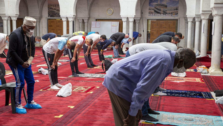 Jeder Dritte berichtet von Diskriminierung: Muslime in einer Moschee in Genf. (Symbolbild) (Keystone)