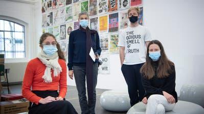 Die Kunsthalle für einmal fest in St.Galler Hand (von links): Caroline Ann Baur, Katalin Deér, Jiri Makovec und Vanessà Heer. (Bild: Ralph Ribi)