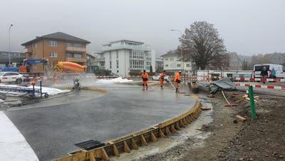 Erste Segmente des Kreisels Schürmatt in Stansstad sind betoniert. (Bild: PD)