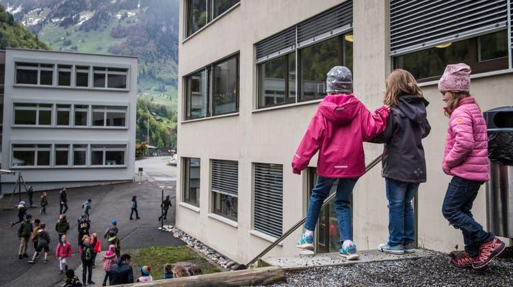Die Nidwaldner Volksschulen verlängern ihre Schulferien um drei Tage. (Symbolbild: Boris Bürgisser)