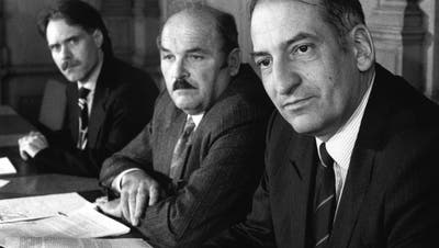 Einflussreicher Bauernvertreter: Paul Rutishauser (in der Mitte) mit Moritz Leuenberger (l.) und Pascal Couchepin (r.). (Keystone)