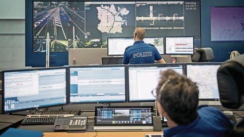 So sieht die Einsatzleitzentrale der Luzerner Polizei an der Kasimir-Pfyffer-Strasse heute aus. (Bild: Pius Amrein (Luzern, 6. Juni 2017))