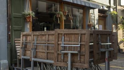 Es ist ausgetafelt: Restaurants müssen für mindestens einen Monat schliessen. (Georgios Kefalas / KEYSTONE)