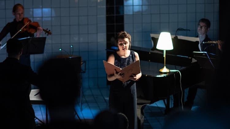 Musiker der Lucerne Sinfonietta und die Sängerin Daniela Argentino bei der Aufführung des Märchenprogramms im Neubad (2019). (pd/Martin Dominik Zemp [mdz])