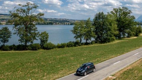 Die thermische Energie des Baldeggersees soll genutzt werden. Auf dem Bild zu sehen ist der Abschnittzwischen Nunwil undTempikon. (Bild: Pius Amrein (11. Juli 2018))