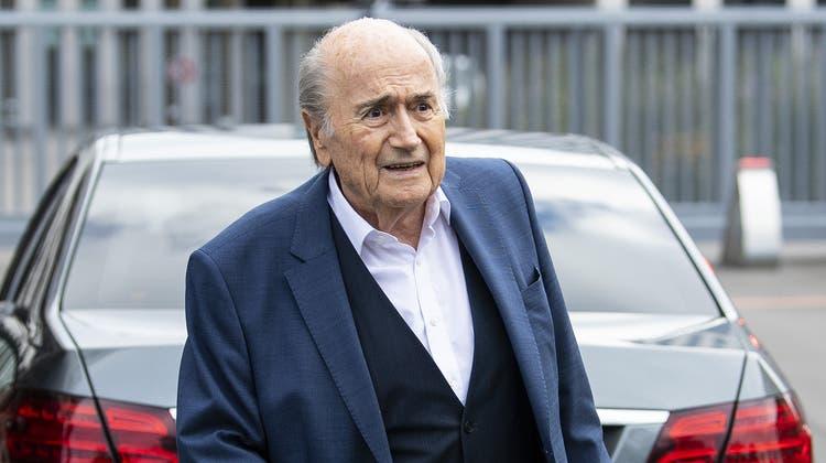 Die Fifa wirft ihrem früheren Präsidenten Sepp Blatter Missmanagement vor. (Archivbild) (Keystone)