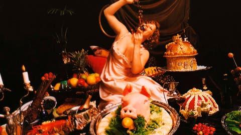 Ein Bild aus dem Film «Das grosse Fressen» (Frankreich/Italien, 1973; Regie: Marco Ferreri). (Bild: Jan De Wit/Cinetext)