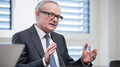 Swiss-Steel-Grossaktionär Martin Haefner am Hauptsitz des Autoimporteurs Amag in Cham, der in seinem Besitz ist. (Bild: Dominik Wunderli (26. November 2019))