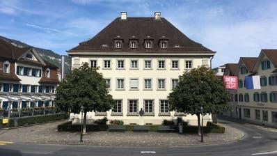 Zwischen Ende Februar und Dezember 2018 wird das Regierungsgebäude am Dorfplatz 2 in Stans umfassend saniert. (Pd / Nidwaldner Zeitung)