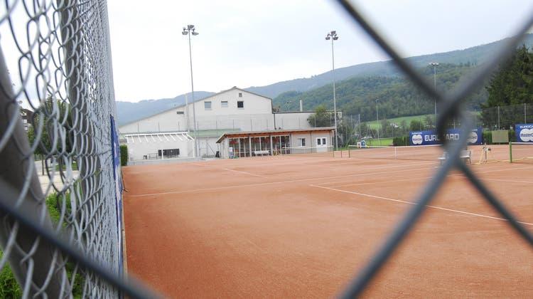 Tennisplätze sind in die Jahre gekommen: In Mümliswil und in Balsthal müssen Tennisclubs Geld investieren