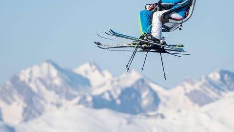 Wo darf man auf die Skipiste und wo nicht? In der Zentralschweiz gelten bald unterschiedliche Regeln. (Bild: Urs Flüeler / Keystone)