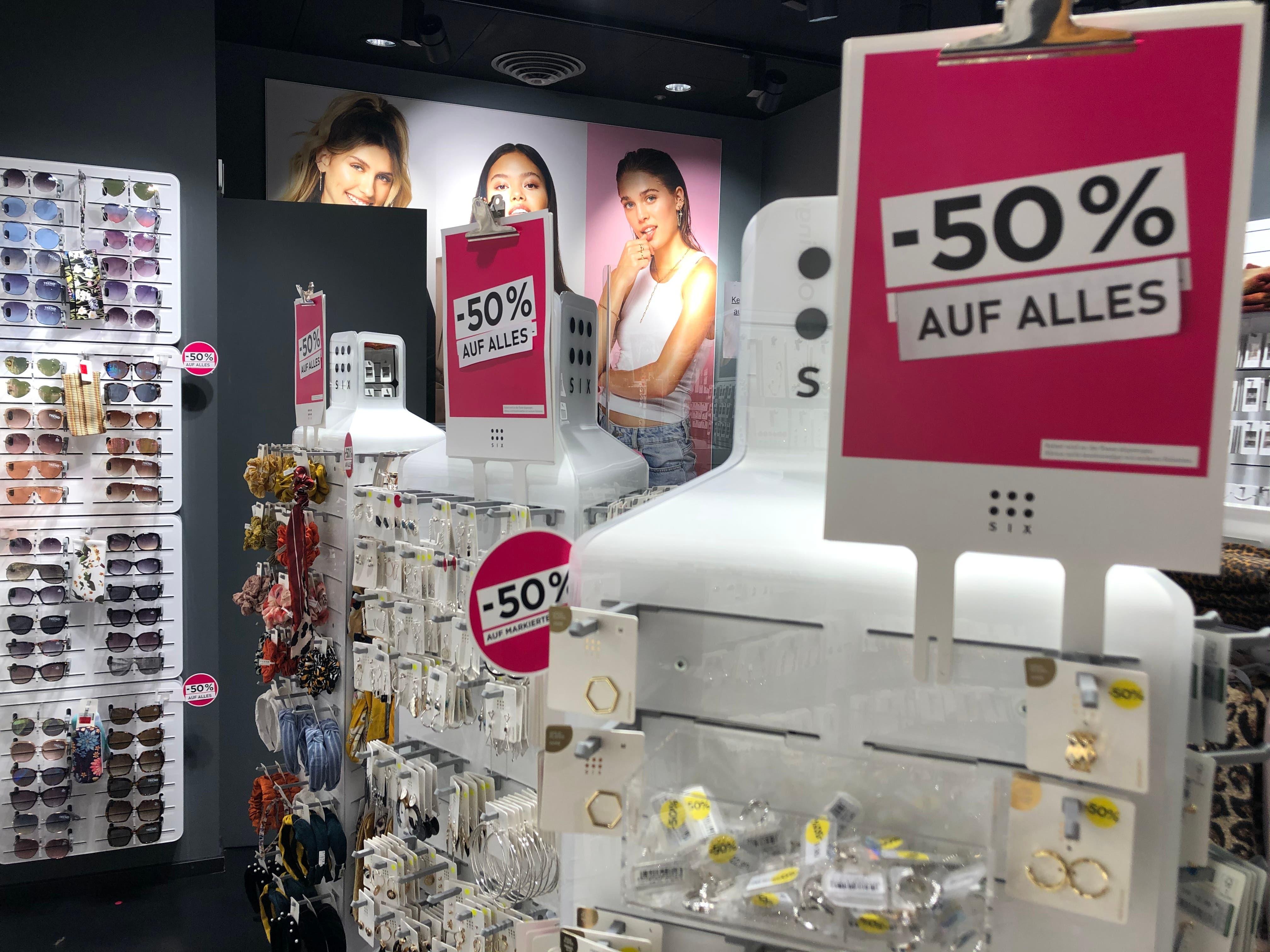50 Prozent Rabatt auf alle Produkte beim Modeschmuckhändler Six.