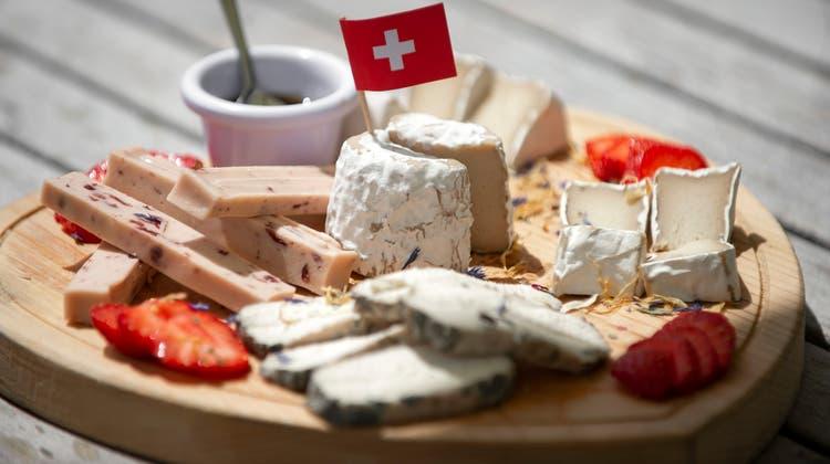 Vegane Käseplatte: Milchersatzprodukte haben in den letzten Jahren in der Schweiz stark Marktanteile gewonnen. (Keystone)