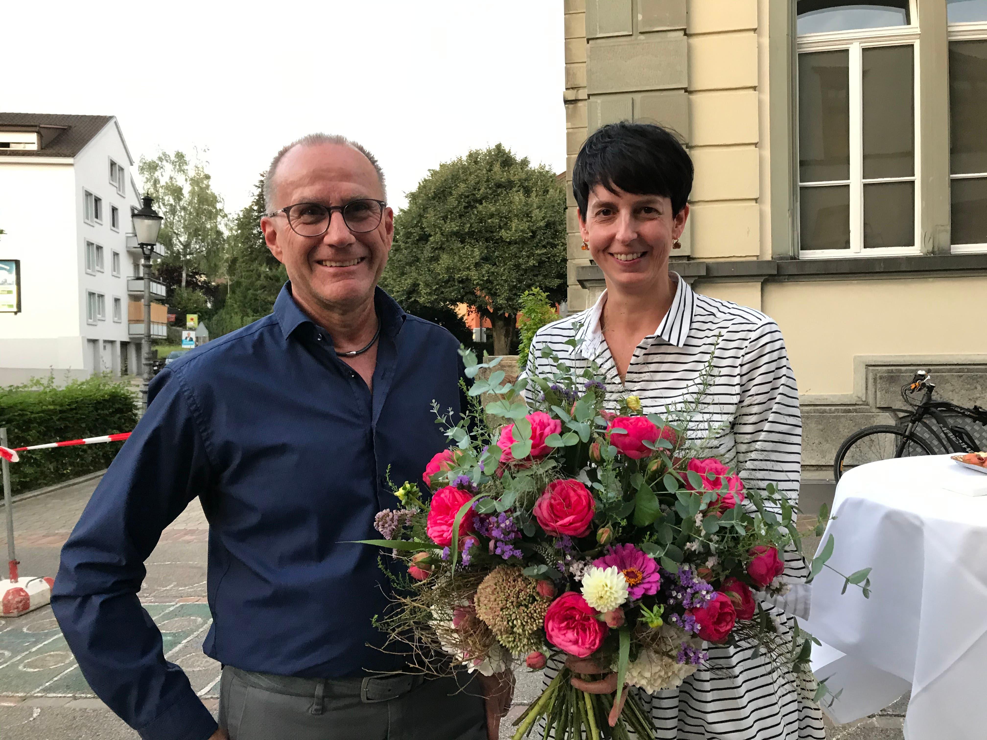 Vom Rathaus in die Pfalz: Die Wiler Stadtpräsidentin Susanne Hartmann (CVP) wurde in die Kantonsregierung gewählt. Im August wurde sie von Parlamentspräsident Roland Bosshart verabschiedet. Im zweiten Wahlgang Ende November setzte sich schliesslich ihr Parteikollege Hans Mäder im Rennen um ihre Nachfolge durch.