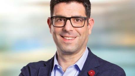 Angelo Barrile, Zürcher SP-Nationalrat, ist schwer erkrankt und zieht sich deshalb vorübergehend aus der Öffentlichkeit zurück. (HO)