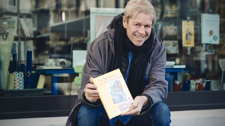 Basler Autor Aernschd Born spricht über sein neustes Werk: «Das Leben findet vor der Haustür statt»