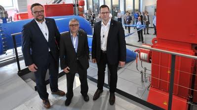 Von links: Regierungsrat Roger Nager, Rolf Infanger, Präsident der Korporation Uri und Werner Jauch, Vorsitzender der Geschäftsleitung des EWA bei derEinweihungdes Kraftwerks Schächen. (Bild: Urs Hanhart (19. September 2020))