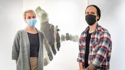Anna Villiger und Oliver Frei haben von Seiten Kaff die Gruppenausstellung organisiert. (Bild: Andrea Stalder)