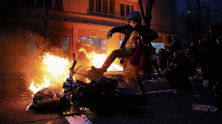 Proteste eskalieren, Präsident Macron wirkt zunehmend machtlos: Frankreich in der Gewaltspirale