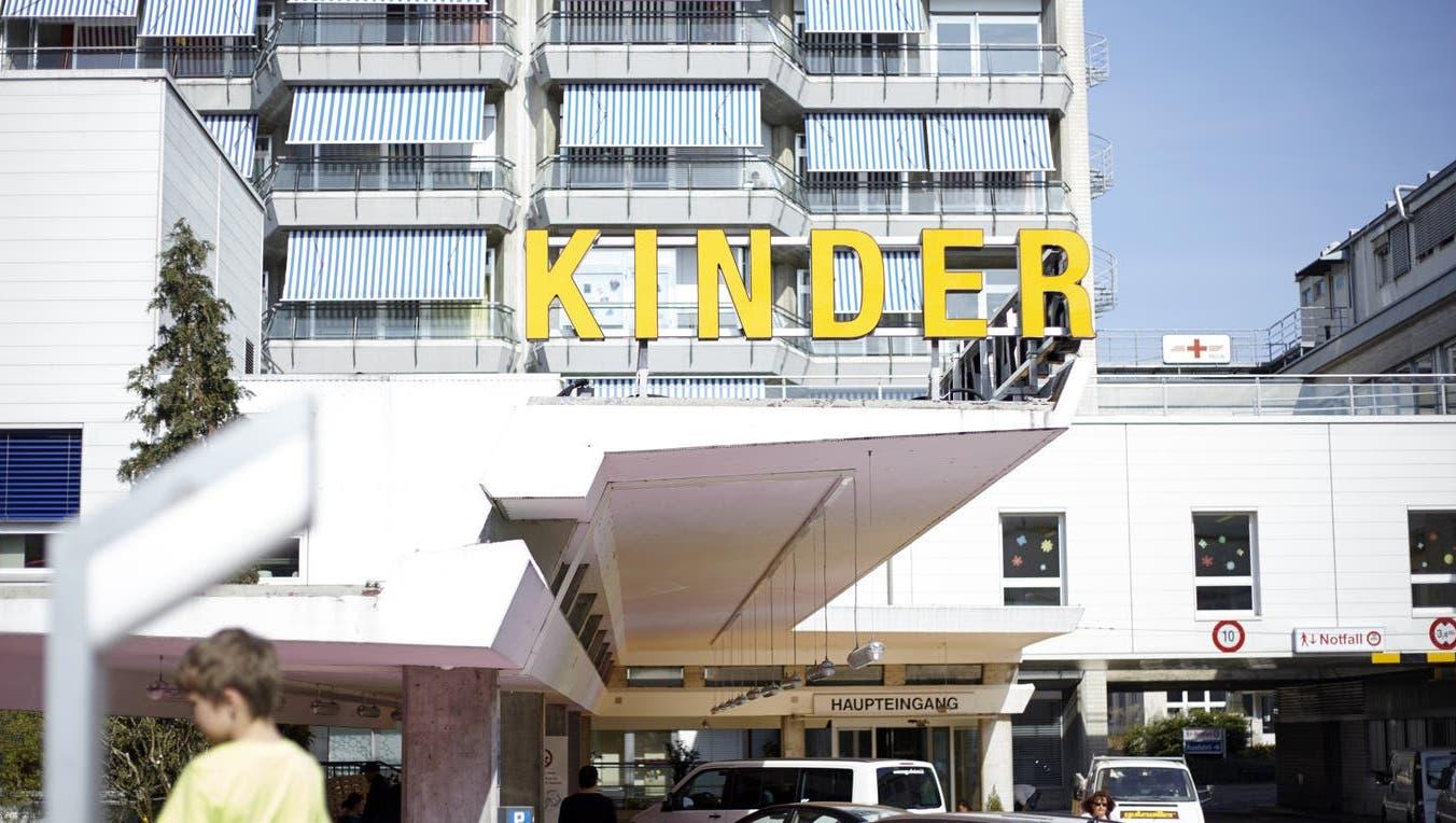 Das Zürcher Kinderspital machte zuletzt wegen Qualitätsproblemen und Spannungen unter Ärzten in der Herzchirurgie Schlagzeilen. (Keystone)