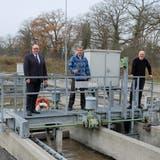 Stadtpräsident Markus Birk, Klärmeister Peter Berg und Projektleiter Fredy Danner bei der ARA Diessenhofen. (Bild: Thomas Brack)