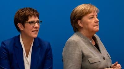 Unter Partei-Chefin Annegret Kramp-Karrenbauer und Bundeskanzlerin Angela Merkel schwächelt die CDU heftig. (Emmanuele Contini / www.imago-images.de)