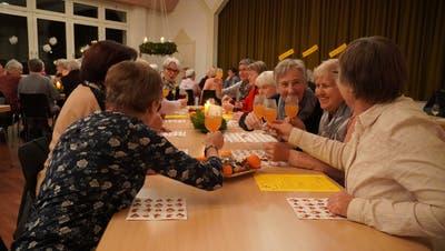 Heute steht bei der Frauengemeinschaft die Vernetzung im Vordergrund – wie etwa hier bei der letztjährigen Adventsfeier. (PD)