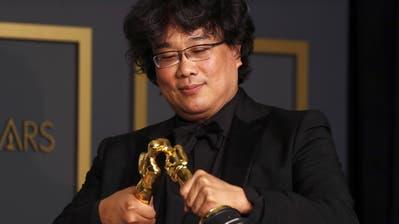 Bong Joon Ho im Oscar-Glück. (Jordan Strauss/Invision/AP)