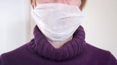 Das Horten von Atemschutzmasken wegen des Corona-Virus ist gemäss des Ausserrhoder Spitalverbundes momentan sinnlos. (Bild: Getty)