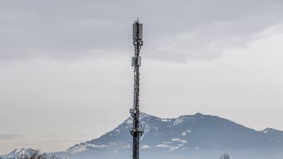 Eine 5G-Antenne auf dem Dach der Universität Luzern. (Bild: Nadia Schärli, Luzern,27. Januar 2020)