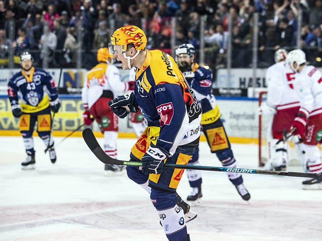 Zugs Topskorer Gregory Hofmann trifft beim 3:0-Heimerfolg seines Teams gegen Lausanne erstmals seit acht Spielen wieder. Der EVZ qualifiziert sich dank dem vierten Sieg in Folge als erstes Team für die Playoffs