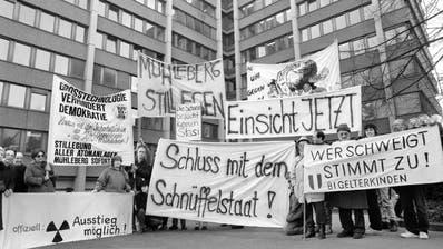 Erhält die Schweiz mit denCrypto-Leaks ihre vierte PUK? – Demo 1990 in Bern zu den Ermittlungen zum Fichen-Skandal. Den deckte eine PUK auf. (Keystone)