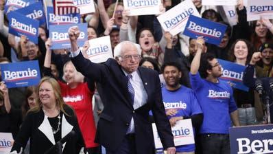 Der linksgerichtete US-Senator Bernie Sanders hat die Vorwahl in New Hampshire für sich entschieden. (Bild: Pablo Martinez Monsivais / AP)