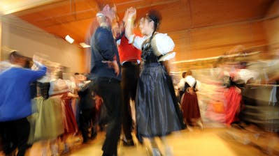 Es ist schwierig, jede Woche tanzen zu gehen – aber der fixe Termin lohnt sich für die Beziehung. ((Bild:Urs Hanhart))