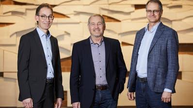 Im Foyer des Gemeindehauses (von links): Thomas Zemp, Ruedi Burkard und Hans Ruedi Jung. ((Bild: Jakob Ineichen, Horw,5. Februar 2020))