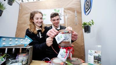Schon letztes Jahr haben Schülerinnen und Schüler der Kanti Zug ihre Unternehmen vorgestellt. (Bild: Stefan Kaiser (5. März 2019))