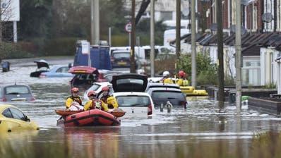 Sturm «Dennis» sucht Grossbritannien heim – Fast 600 Flutwarnungen