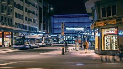 Abschaffung des Nachtzuschlags: Der Zuger ÖV gerät unter Zugzwang