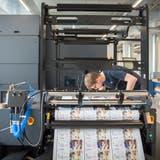 Firmen wie der Rorschacher Etiketten- und Verpackungshersteller Permapack sind indirekt betroffen. (Bild: Urs Bucher (Rorschach, 1. April 2016))