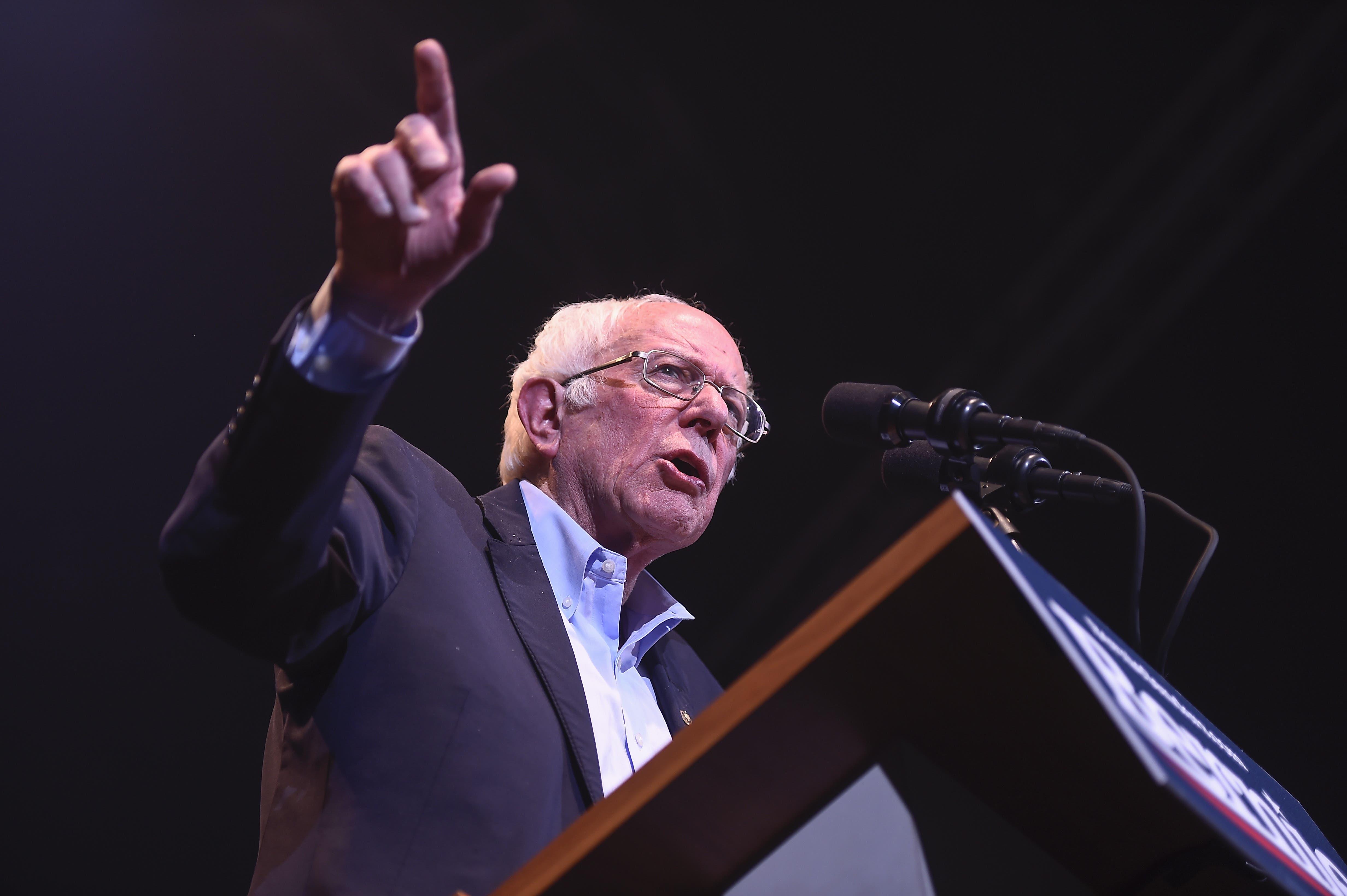 Bernie Sanders (78). Iowa: 24 Prozent, National: 23,5 Prozent.