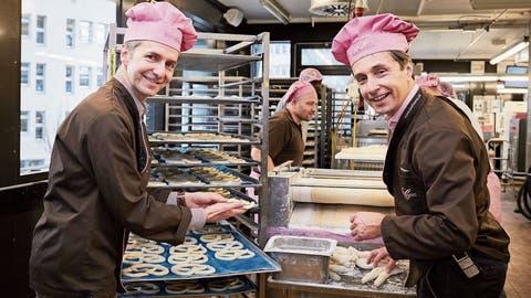 Matthias (links) und Raphael Bachmann leiten das Familienunternehmen in vierter Generation. Während Matthias für die Administration und den Verkauf zuständig ist, kümmert sich Raphael um Produktion und Logistik. (Bild: Jakob Ineichen (Luzern, 5. Februar 2020))