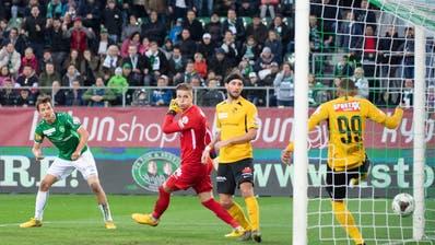Lukas Görtler trifft in der 91. Minute zum 3:2. Die emotionalsten Momente des Spiels folgen erst später. (Bild: Urs Bucher)