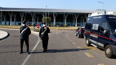 Corona-Virus 25 Kilometer vor der Schweizer Grenze ++ Tessin beruft Krisenstab ein ++ 100 Ansteckungen in wenigen Stunden – Italien riegelt betroffene Städte ab