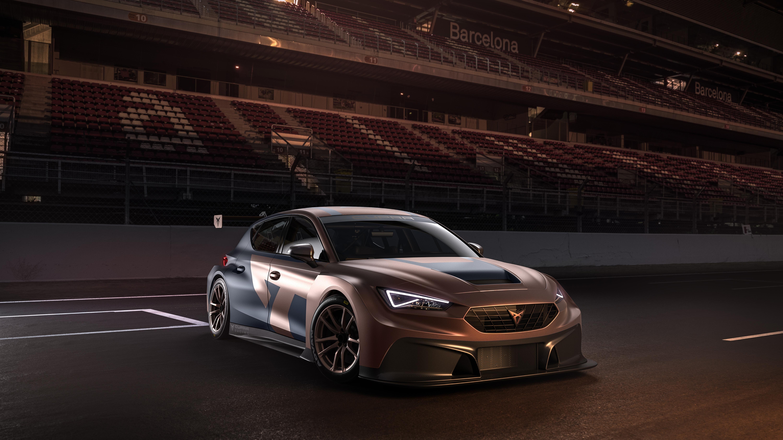 Der Cupra Leon Competición ist Cupras neuer Rennwagen für die TCR-Serie. Für Vortrieb sorgt ein Turboaufgeladener Benziner mit 2.0 Liter Hubraum und 340PS bei 410Nm.