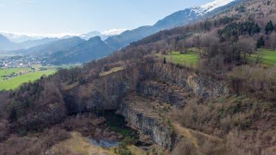 Der Steinbruch Campiun soll reaktiviert werden. Der Standort soll in den kantonalen Richtplan aufgenommen werden. (Corinne Hanselmann)