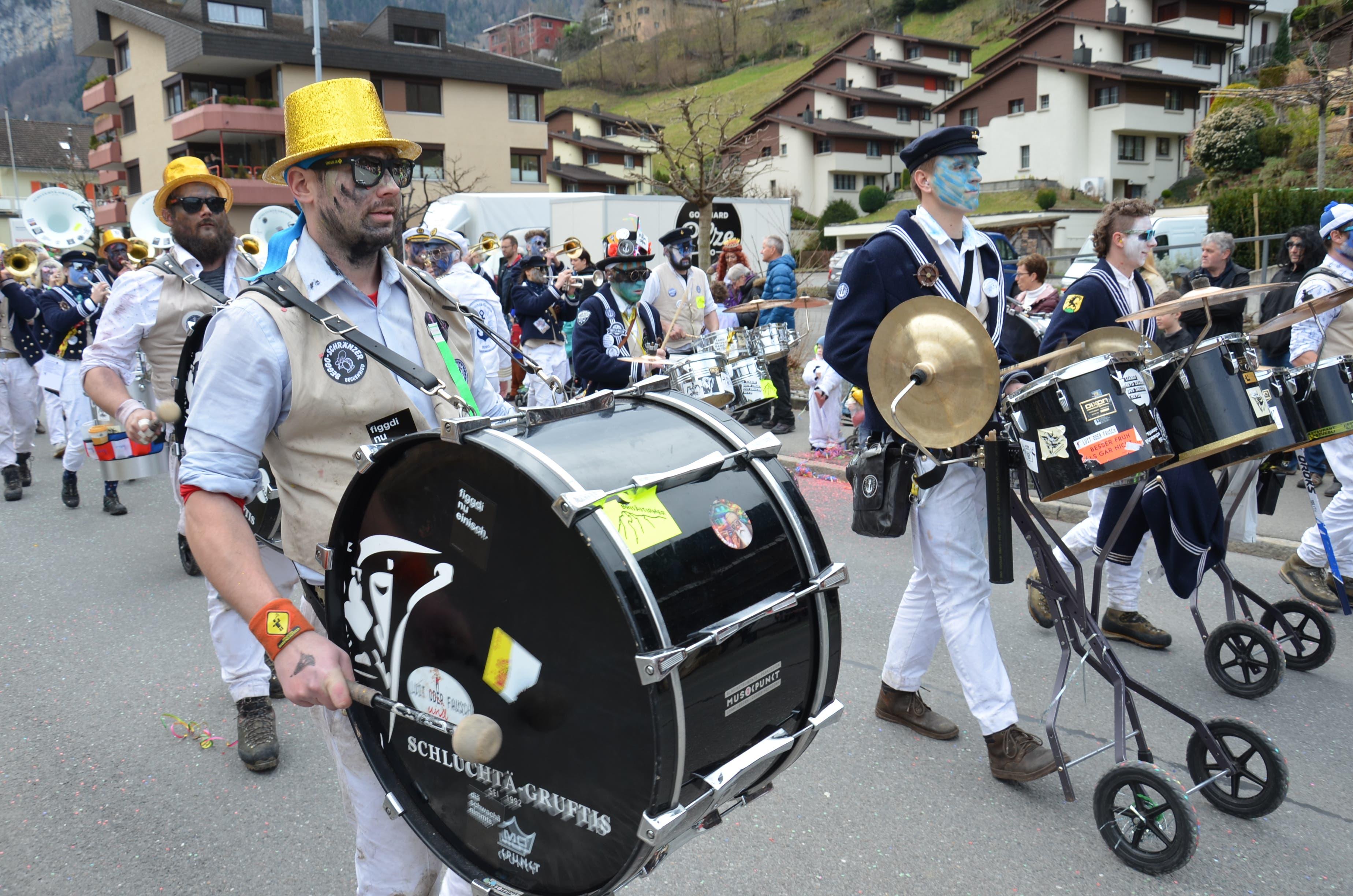 Die Schluchtä-Gruftis Ennetmoos hauen in Dallenwil nochmal drauf.