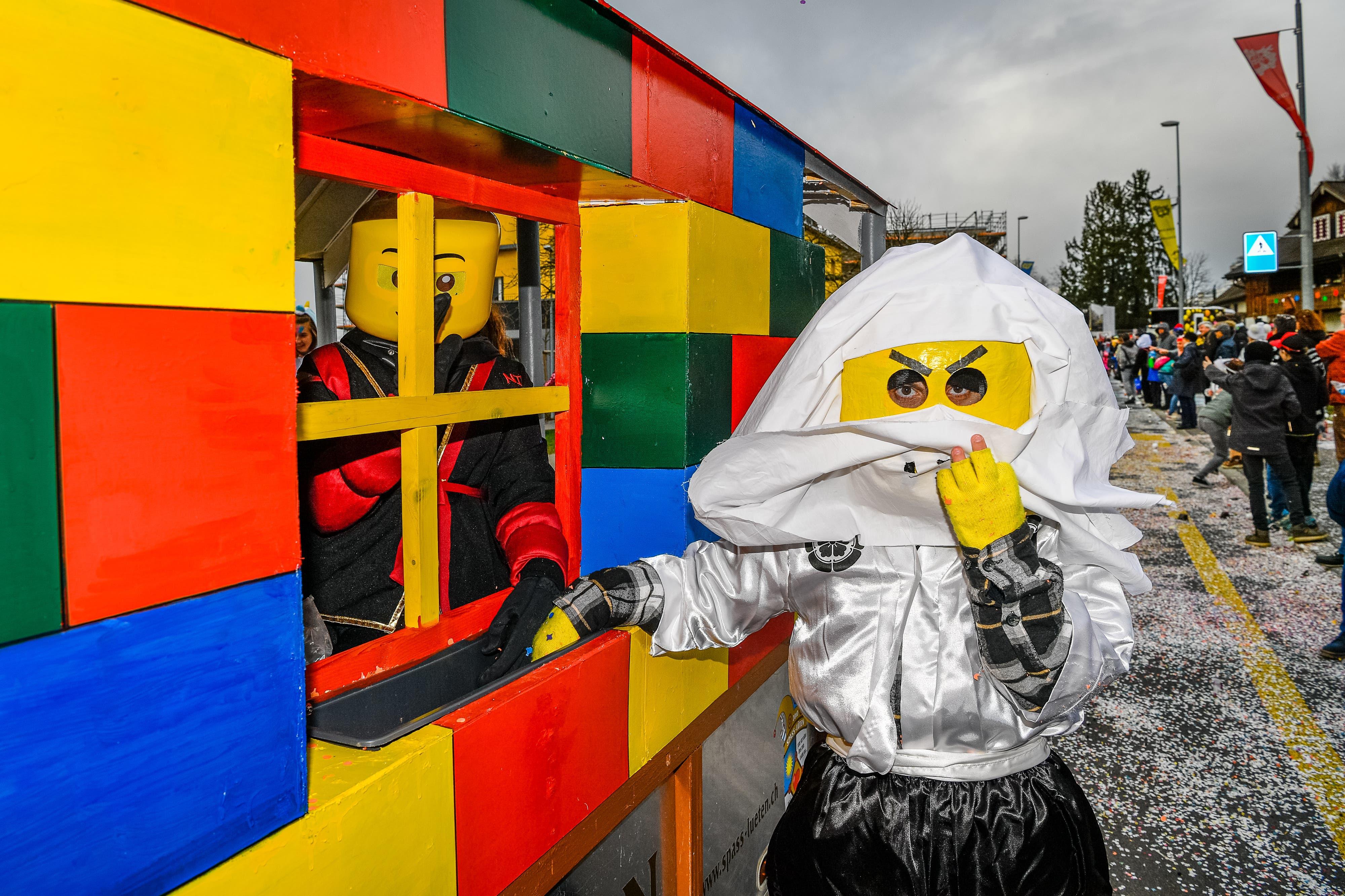 Das Jubiläum von Lego wurde in einem grossen Wagen ebenfalls thematisiert.