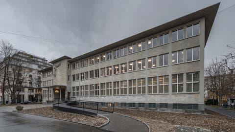 Die Zentral- und Hochschulbibliothek im Vögeligärtli (Bild: Pius Amrein, Luzern,9. Dezember 2019)