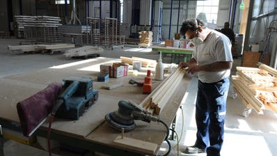 Blick in das 2009 in Betrieb genommene neue Werk in Müllheim. ((Bild: Nana Do Carmo, 13. März 2009))