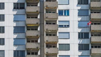 Sozialhilfebezüger werden bei der Wohnungsmiete von der Gemeinde finanziell unterstützt. (Symbolbild: Benjamin Manser)